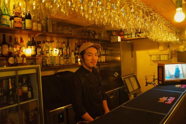 非常重视与日本各地生产者的关系,采用以法式料理为基础的各种料理技法,最重要的是要让大家能在日常中享受到「美味料理」。