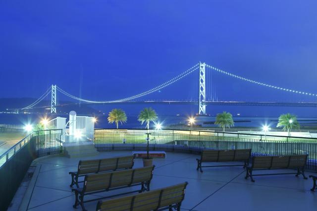 マリンテラスからは明石海峡大橋が一望できる<br /> <br /> ※垂水駅から無料シャトルバス毎日運行中