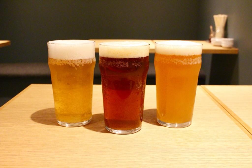左:淡路レモンビール 490円(税別)<br>中:六甲ビールIPA 490円(税別)<br>右:六甲ビールいきがり生 490円(税別)<br />