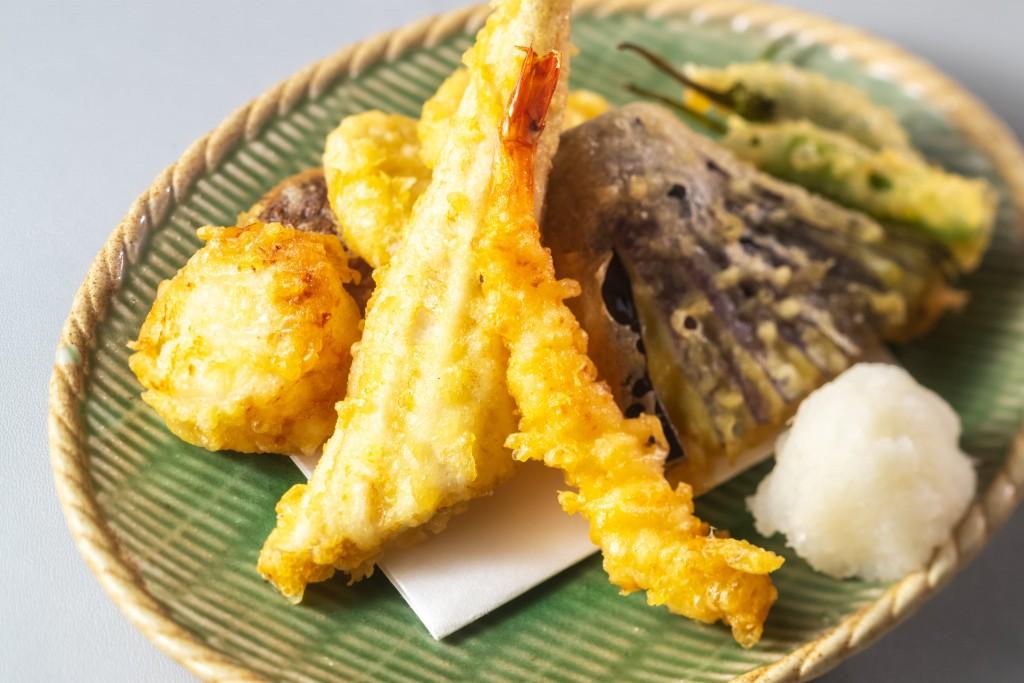 衣がサックサク。季節野菜天ぷら盛り合わせ