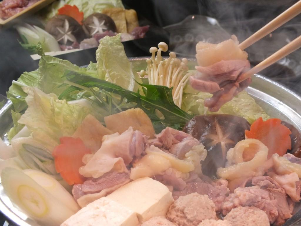 「地鶏の水炊き」半日以上炊き込んだスープは絶品!地鶏との相性バツグン。