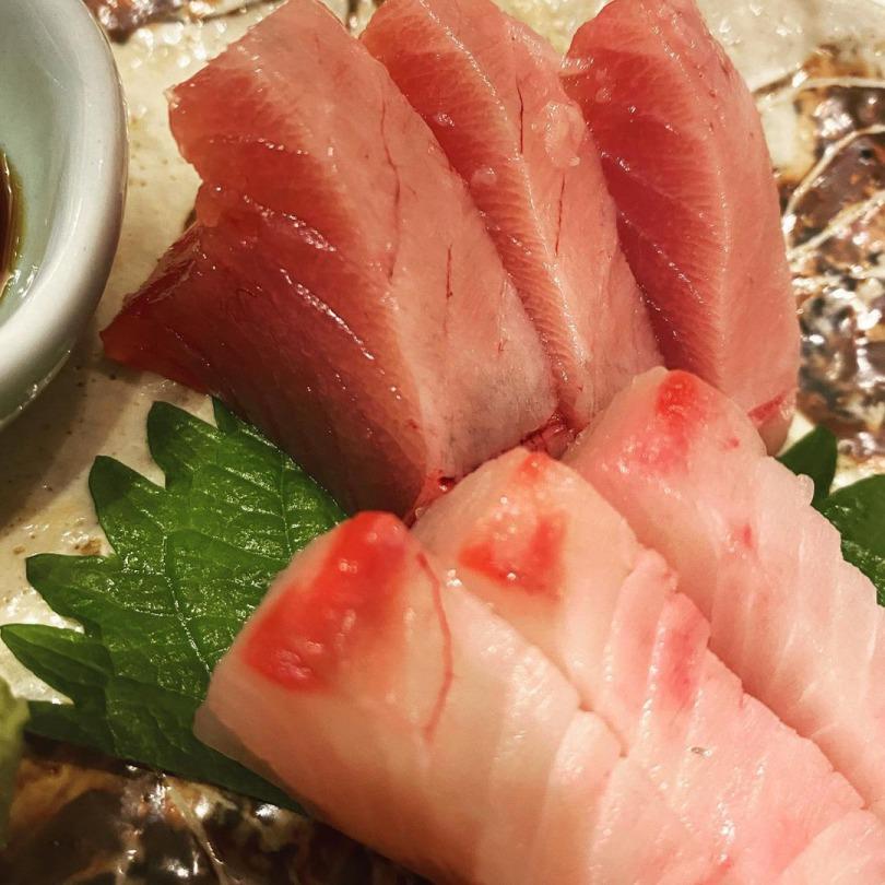 お刺身はどれも鮮度抜群!普段は食べる機会が少ない珍しい魚があるかも!