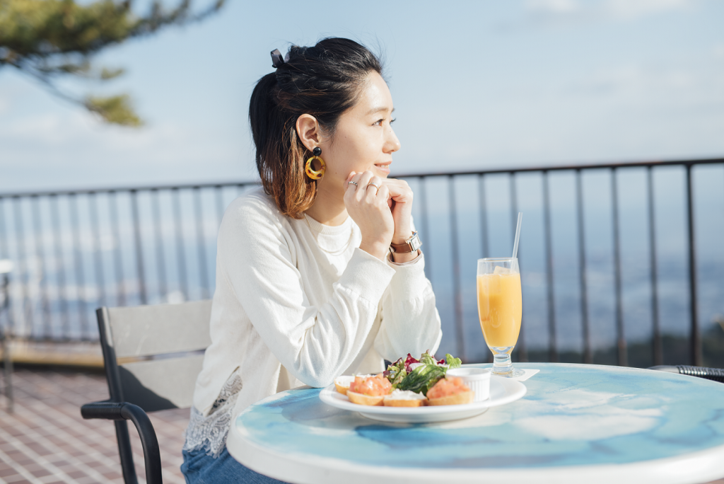 TENRAN CAFE (adjacent to Rokko Sanjo station)<br />