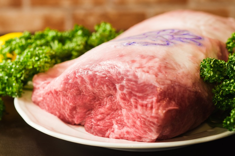 A5 grade beef steak starts from 4,800 JPY (130g)