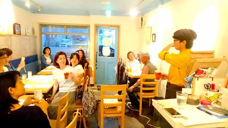 Many fun events have been held regularly at the café.