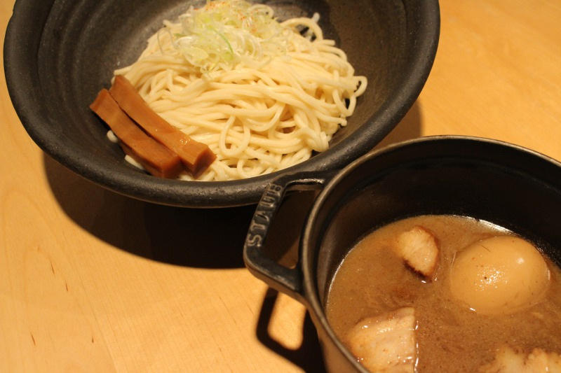 Popular menu! Ajitama (egg) tsukemen 830 JPY (tax included)